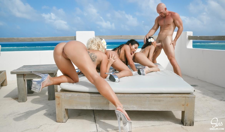 Pussy Paradise Orgy